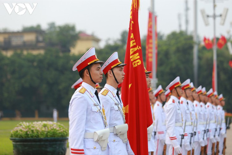 flag-salute ceremony in celebration of national day hinh 6