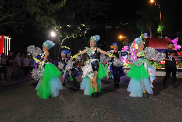 vibrant street carnival whips up excitement among danang crowds hinh 9
