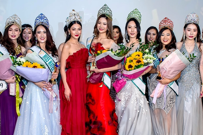 phuong khanh serves on judging panel for miss earth singapore 2019 hinh 8