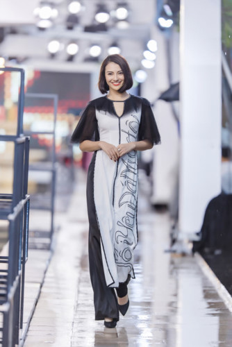 designer ha duy unveils debut collection at kunming fashion week hinh 1