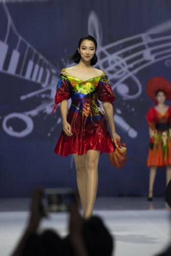 designer hoai nam represents vietnam at asean week 2019 hinh 2