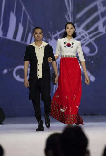 designer hoai nam represents vietnam at asean week 2019 hinh 8