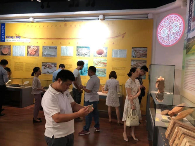 artifacts take guests on historic journey at hanoi exhibition hinh 2