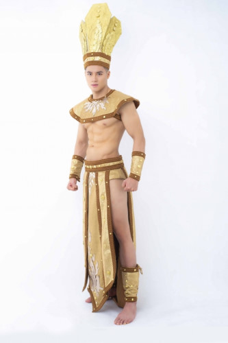 hieu duc unveils national costume for mister national universe 2019 hinh 1