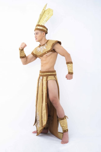 hieu duc unveils national costume for mister national universe 2019 hinh 3