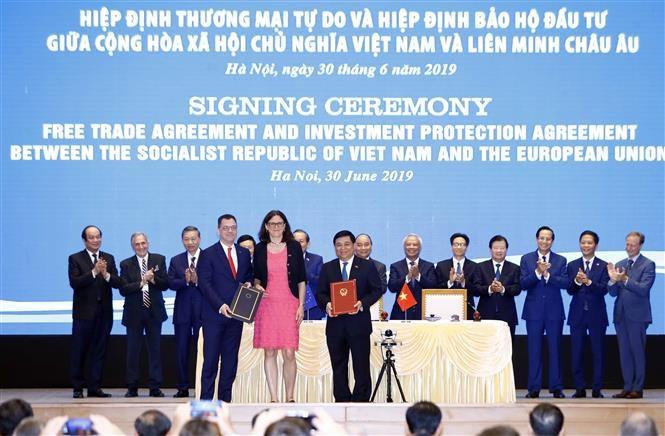 pm witnesses signing of vietnam-eu fta, ipa hinh 4