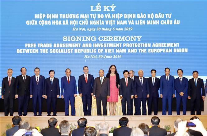 pm witnesses signing of vietnam-eu fta, ipa hinh 5