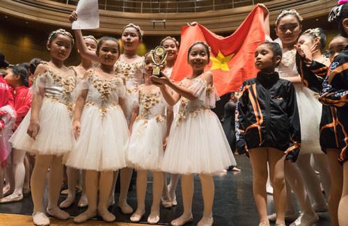 ballet kid team wins gold medal at asia art festival 2019 hinh 1