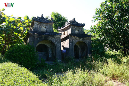 images from the peaceful ancient village of phuoc tich hinh 13