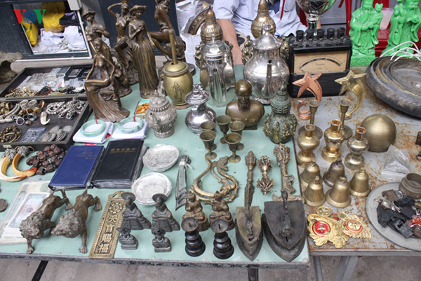 hunting valuable antiques in hcm city coffee shop hinh 10