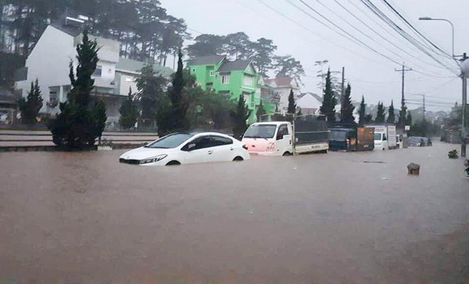 heavy rain submerges in central highlands provinces hinh 15