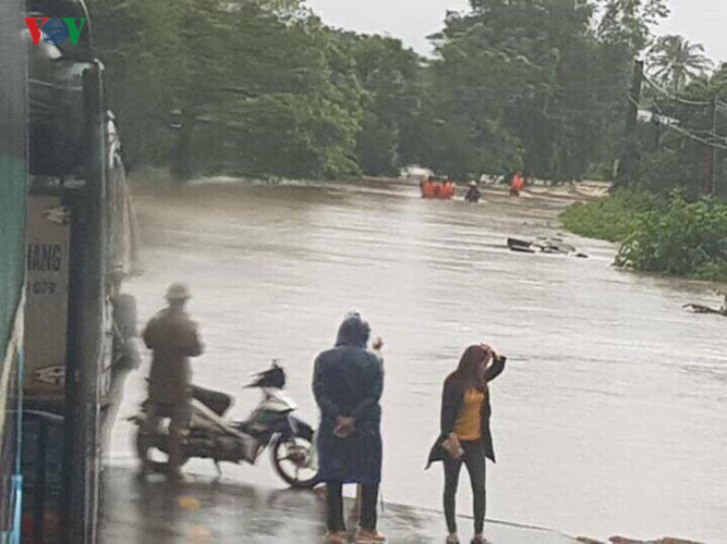 heavy rain submerges in central highlands provinces hinh 3
