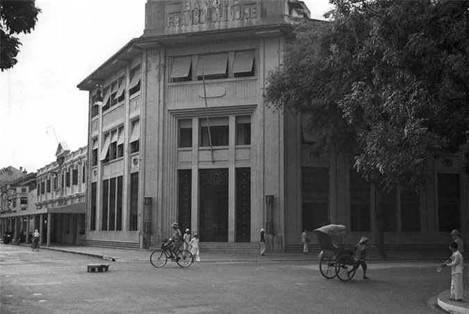 a look back at historic trang tien street through history hinh 5