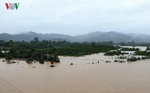 central highlands region suffers worst flooding in a decade hinh 2