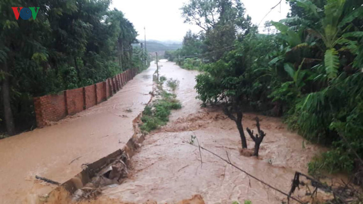 central highlands region suffers worst flooding in a decade hinh 3