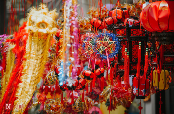 hang ma street makes preparations ahead of mid-autumn festival hinh 5