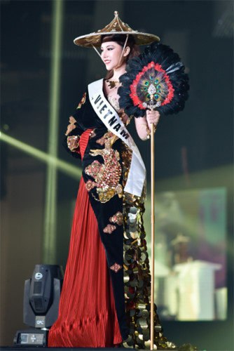 my huyen wins miss international global 2019 crown hinh 2