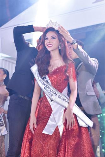 my huyen wins miss international global 2019 crown hinh 7