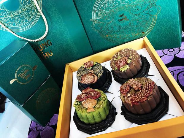 handmade mooncake market gets busy ahead of mid-autumn festival 2019 hinh 11