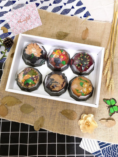 handmade mooncake market gets busy ahead of mid-autumn festival 2019 hinh 12