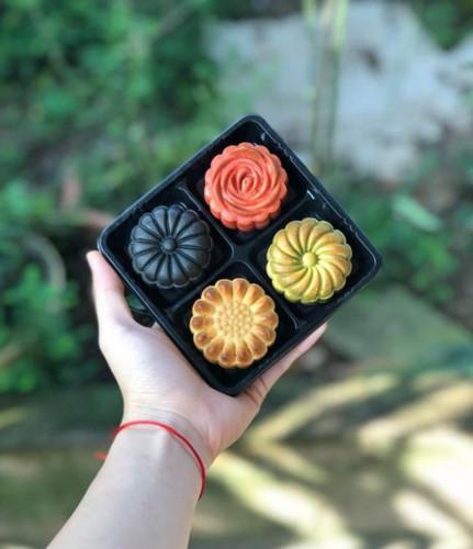 handmade mooncake market gets busy ahead of mid-autumn festival 2019 hinh 13