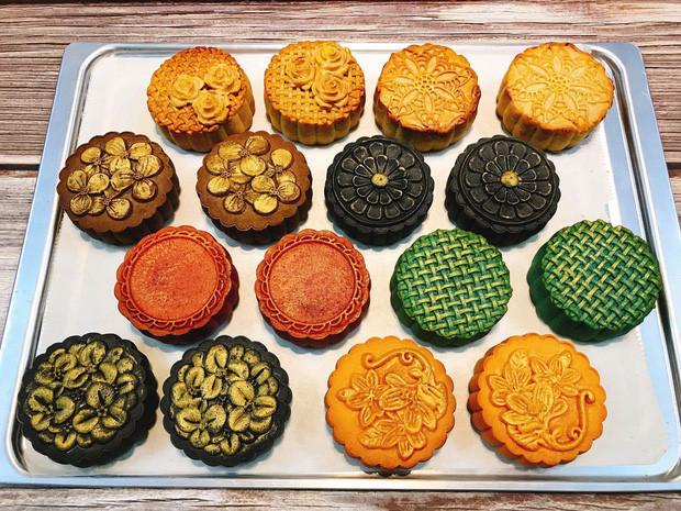 handmade mooncake market gets busy ahead of mid-autumn festival 2019 hinh 3