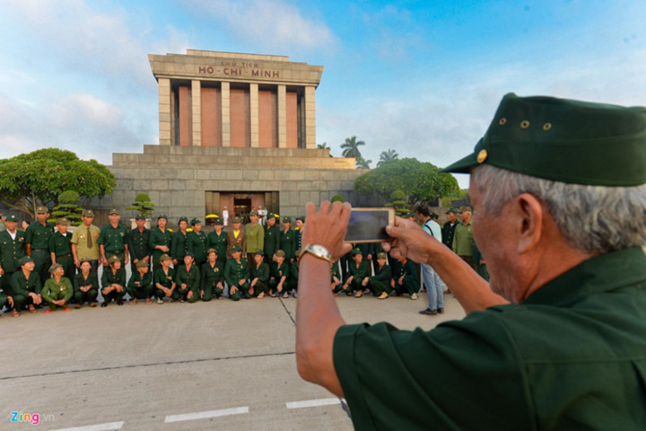 ba dinh square hosts flag raising ceremony to commemorate national day hinh 10