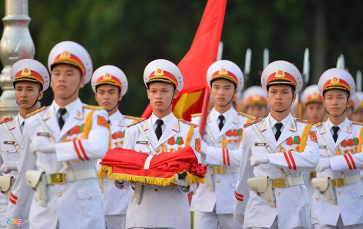 ba dinh square hosts flag raising ceremony to commemorate national day hinh 1