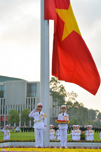 ba dinh square hosts flag raising ceremony to commemorate national day hinh 6