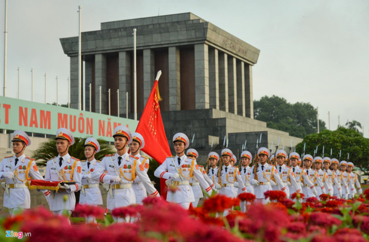 ba dinh square hosts flag raising ceremony to commemorate national day hinh 9