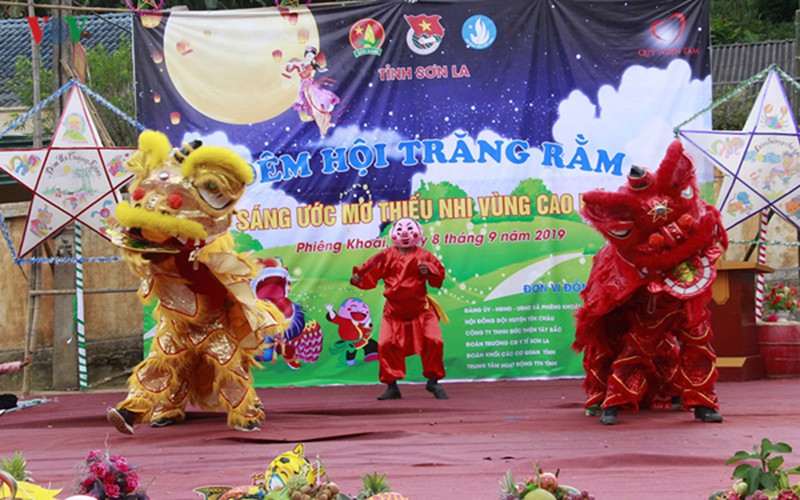 ethnic children in mountainous region celebrate mid-autumn festival early hinh 12