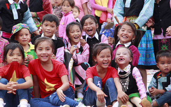 ethnic children in mountainous region celebrate mid-autumn festival early hinh 13