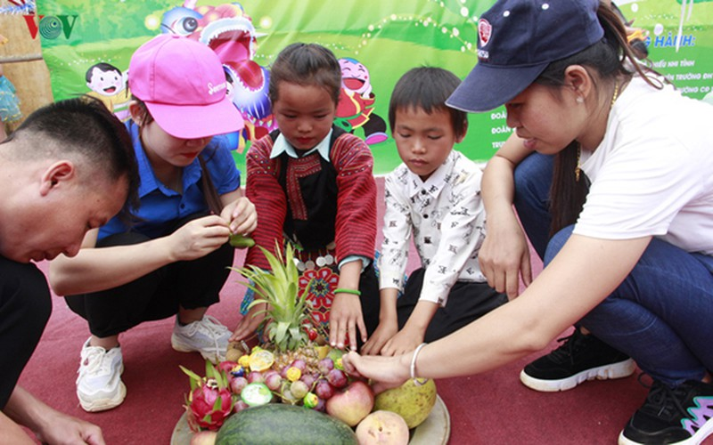 ethnic children in mountainous region celebrate mid-autumn festival early hinh 9