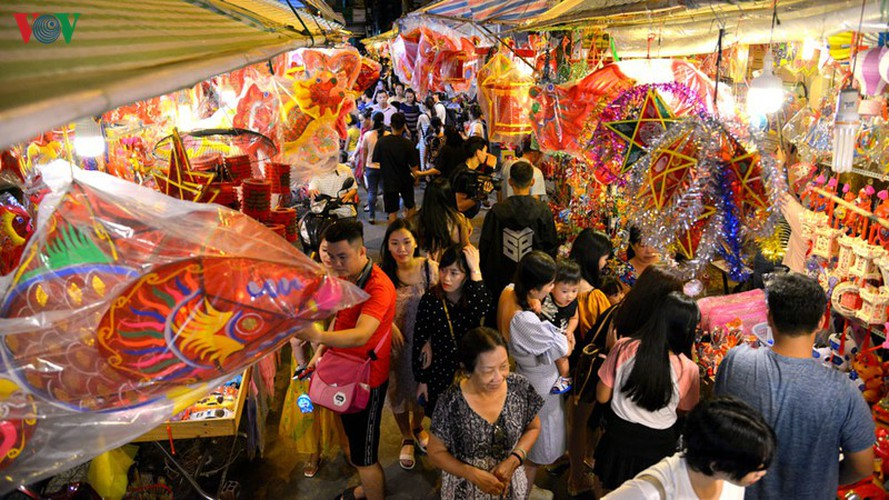 lantern street brought to life in hcm city for mid-autumn festival hinh 11