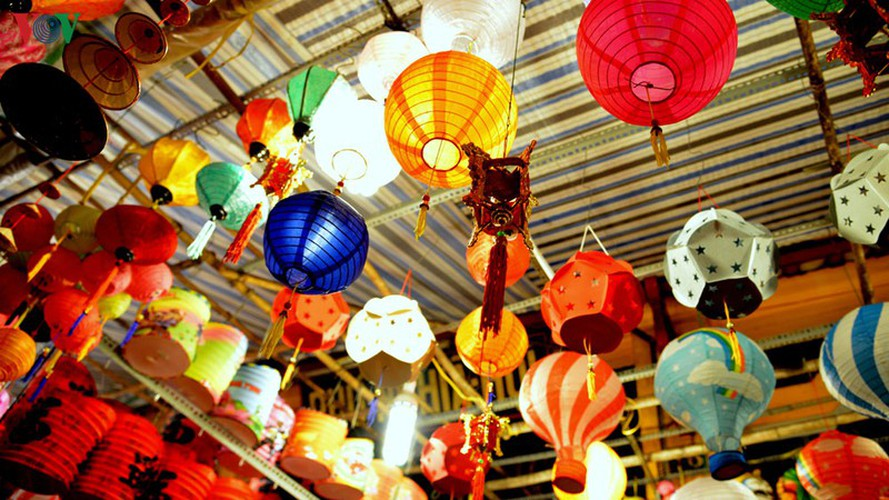 lantern street brought to life in hcm city for mid-autumn festival hinh 3