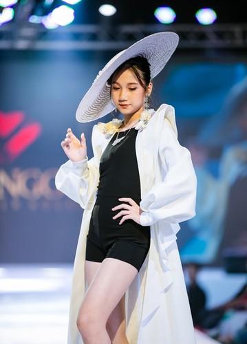 designer dac ngoc debuts collection during bangkok kids fashion show hinh 1