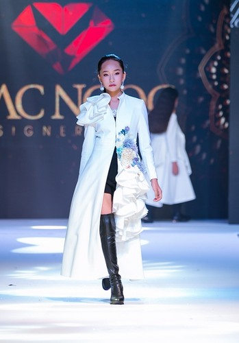 designer dac ngoc debuts collection during bangkok kids fashion show hinh 4