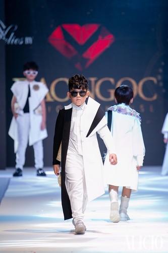 designer dac ngoc debuts collection during bangkok kids fashion show hinh 9