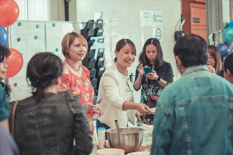 vietnamese expatriates in germany celebrate mid-autumn festival hinh 4