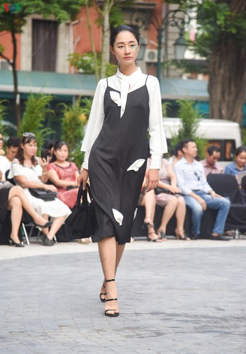 vietnam fashion week spring/summer 2020 opens to fanfare in hanoi hinh 10