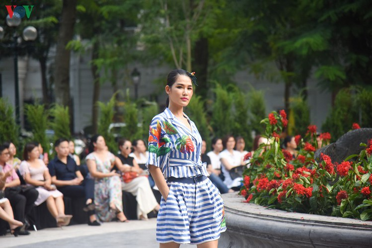 vietnam fashion week spring/summer 2020 opens to fanfare in hanoi hinh 14