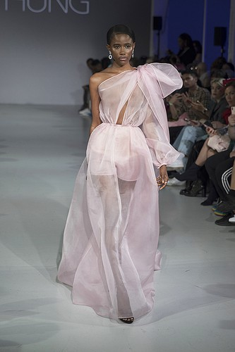 tran hung showcases stunning designs at london fashion week hinh 6