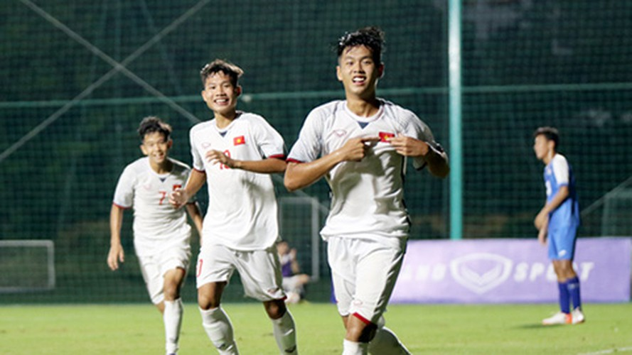 vietnam's u16s stroll to 7-0 win over mongolia in afc championship qualifiers hinh 6