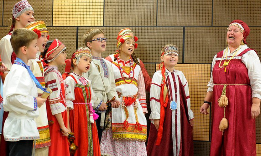 vietnamese, russian youngsters seek ways to preserve cultural diversity hinh 2