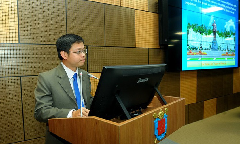 vietnamese, russian youngsters seek ways to preserve cultural diversity hinh 6
