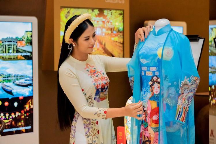 ngoc han unveils new ao dai collection in saudi arabia hinh 1