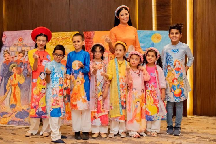 ngoc han unveils new ao dai collection in saudi arabia hinh 7
