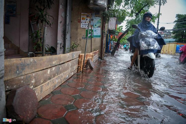 heavy rain serves to ease air pollution in hanoi hinh 3