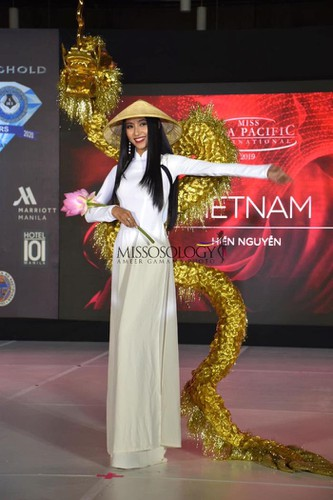 miss asia pacific international contestants shine in national costume segment hinh 1