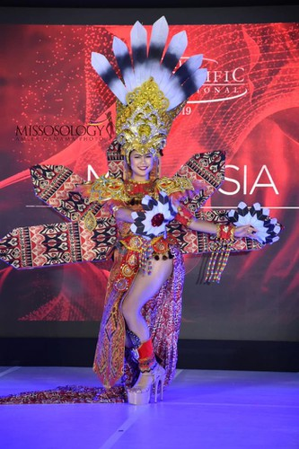 miss asia pacific international contestants shine in national costume segment hinh 6